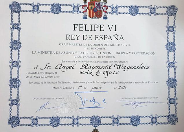 Анжел Вагенщайн с Орден за граждански заслуги от Краля на Испания